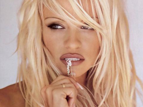 Знаменитая фотомодель блондинка