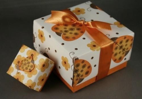 Как сделать своими руками красивую упаковку для подарка