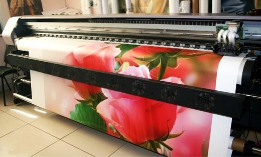 Чем отличается широкоформатная печать от интерьерной
