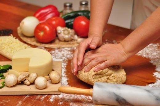 Как готовят тесто для пиццы