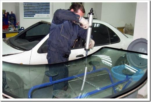 Установка нового лобового стекла